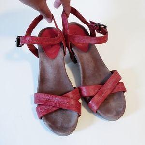 Taos Footwear Leather Block Heel Shoe